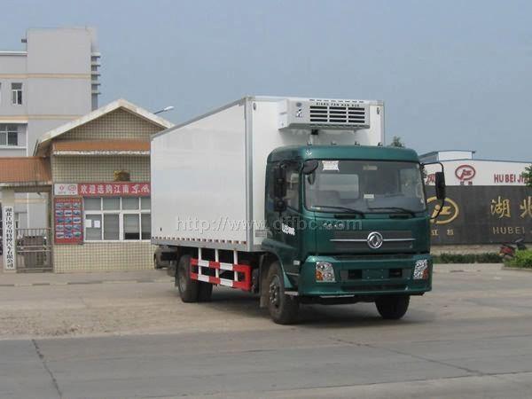 天锦7.4米货箱冷藏车